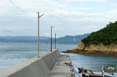 民宿名駒前の防波堤