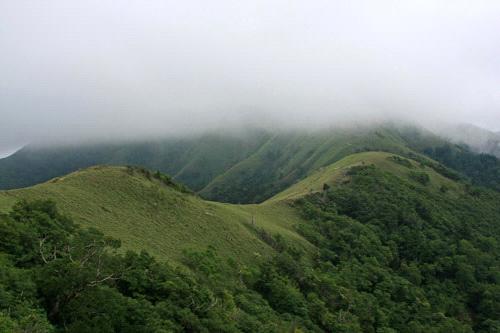 剣山の稜線