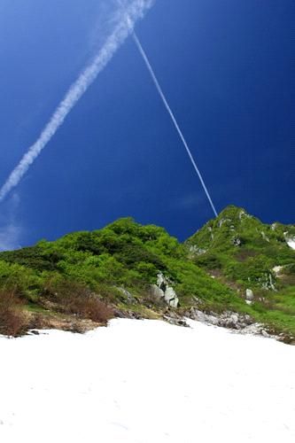 千畳敷カールと飛行機雲