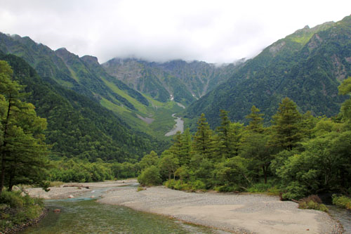 河童橋からの穂高岳