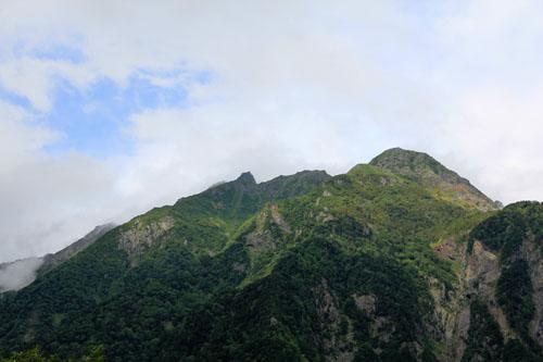 上高地からの明神岳