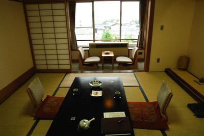 油屋旅館和室
