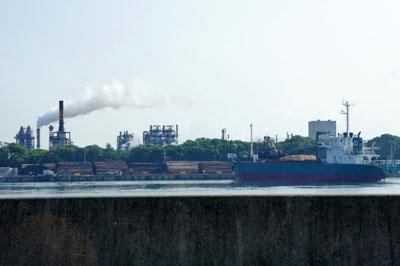 松山の工業地帯