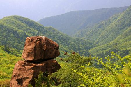 東赤石山奇岩