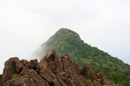 東赤石山稜線