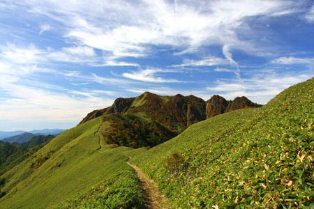 伊予富士への稜線