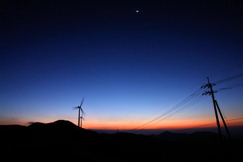 四国カルストの夜明け