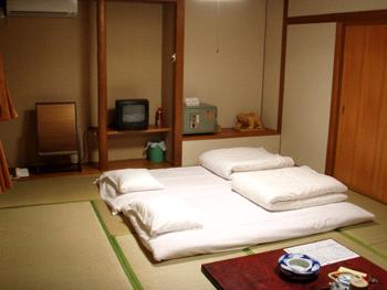 つるや旅館和室