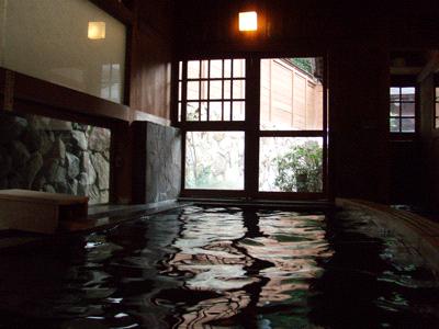 行基の湯内風呂