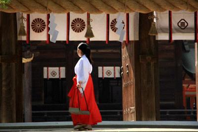 大山祇神社の巫女