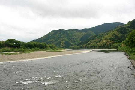 佐田沈下橋から望む四万十川