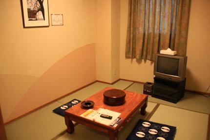 見奈良天然温泉利楽家族風呂和室