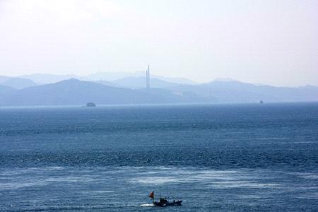 佐田岬から望む九州