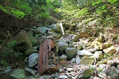 別子銅山第二通洞上部の谷