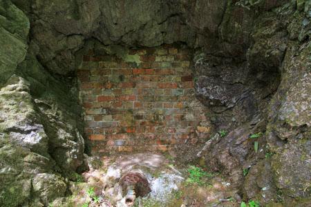 第一通洞付近の遺構