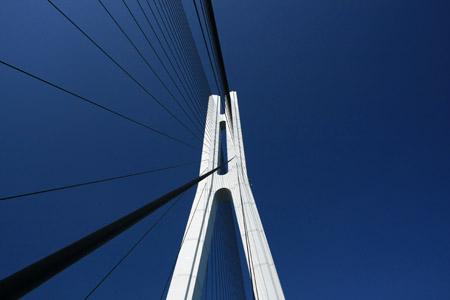 多々羅大橋主塔とケーブル