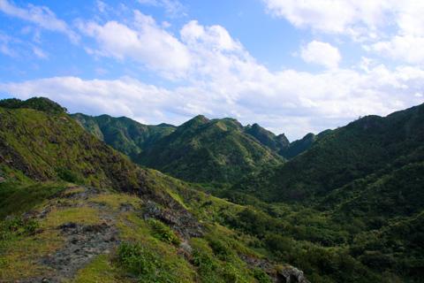 父島の山々