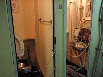 潜水艦トイレ
