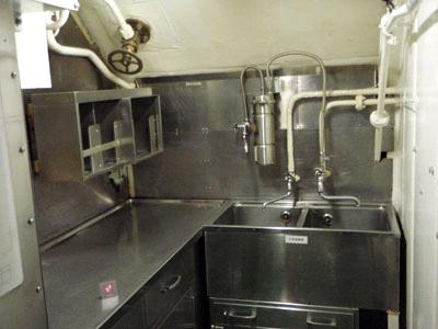潜水艦調理室