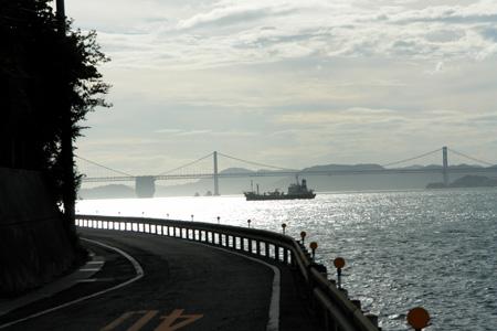 瀬戸大橋を眺めるドライブ
