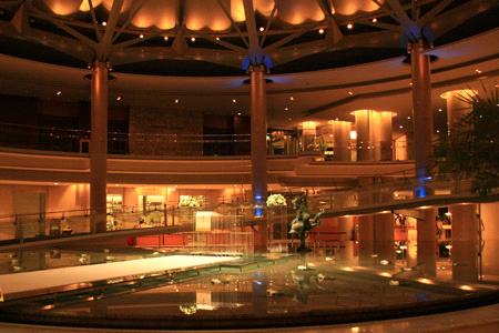 グランドプリンスホテル広島エントランス