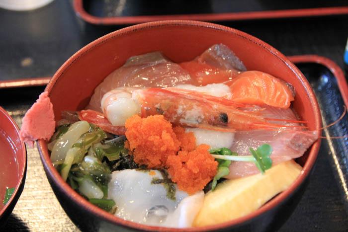 賀露幸海鮮丼