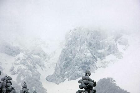 雪の大山北壁