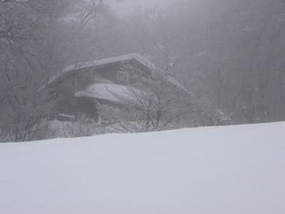 雪の大山元谷小屋