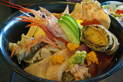 海陽亭の海鮮丼