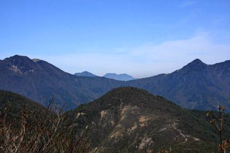 銅山峰と石鎚山