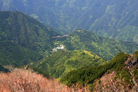 西赤石山から見る東平