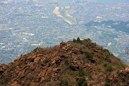 西赤石山カブト岩