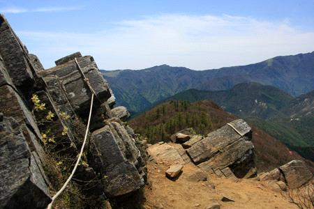 西赤石山岩場