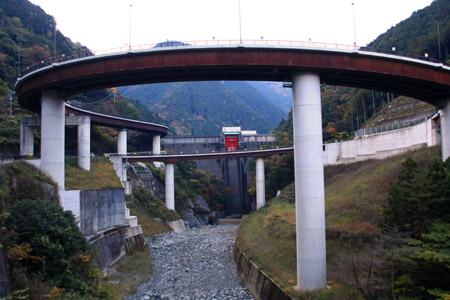 鹿森ループ橋