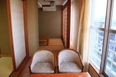 鞠水亭西館特別室広縁