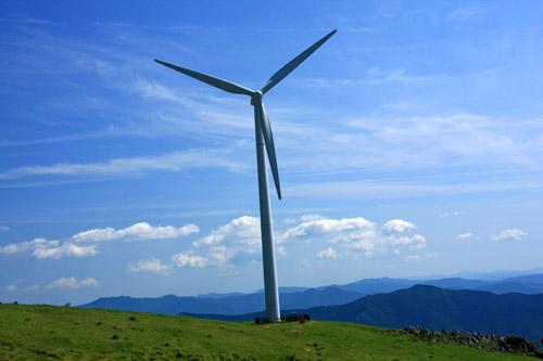 四国カルストの風車