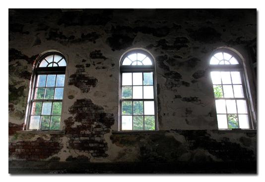 第三変電所レトロな窓