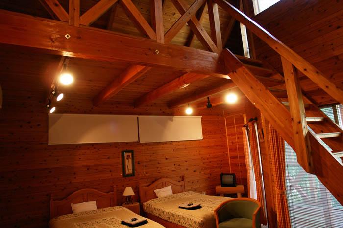 霧の森コテージ寝室