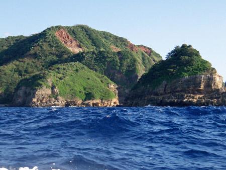 海からの母島