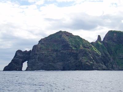 母島の海食洞