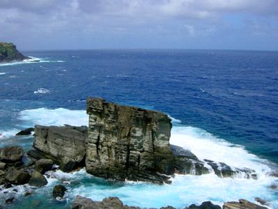与那国島軍艦岩
