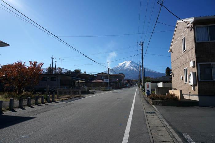 富士山駅から国道138号線へ